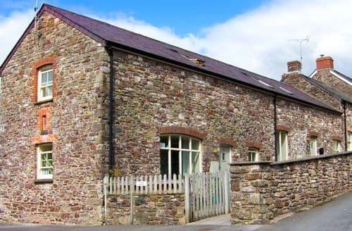 Last Minute Cottages - Beautiful Laugharne Cottage S9418