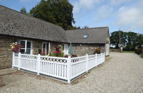 Last Minute Cottages - Rosemount Coach House