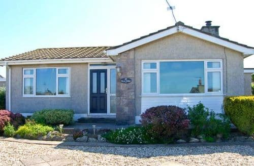 Last Minute Cottages - Superb Tyn Y Gongl Eithin S6163