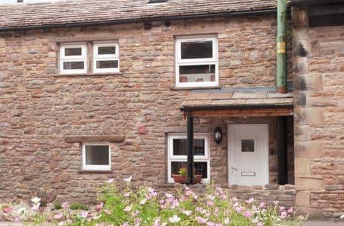 Last Minute Cottages - Wonderful Bainbridge Cottage S9139