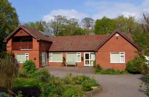 Big Cottages - Attractive Wrexham Offa S6210