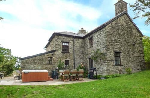 Last Minute Cottages - Dolen Farmhouse