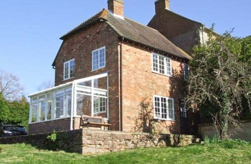 Last Minute Cottages - Stunning Aylesbury Cottage S2823