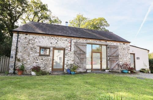 Last Minute Cottages - Adorable Llanwrda Barn S6308