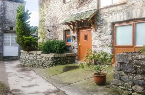 Last Minute Cottages - Quaint Grange Over Sands Farm S4411