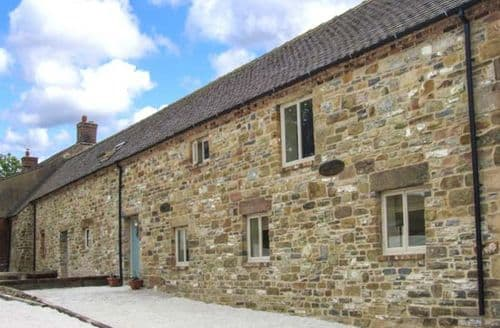 Last Minute Cottages - Closes Barn