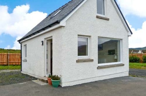 Last Minute Cottages - Inviting Portree Seadrift S6335