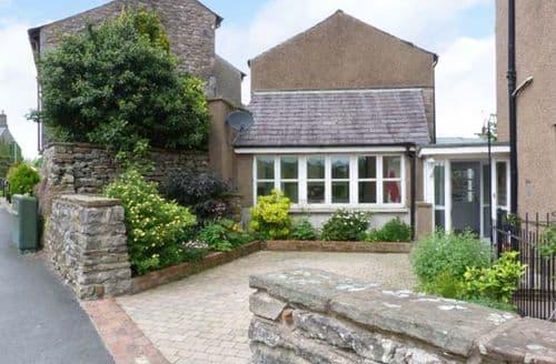 Last Minute Cottages - Peel Cottage