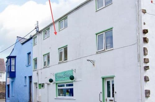 Last Minute Cottages - Attractive Saundersfoot Apartment S6645