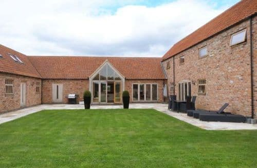 Last Minute Cottages - Moor Farm Barns