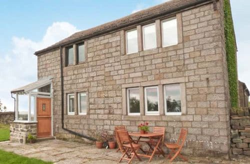 Last Minute Cottages - Exquisite Cragg Vale Lodge S6840