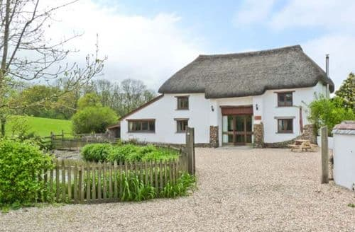 Last Minute Cottages - Groves Fishleigh