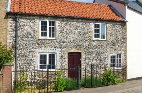 Last Minute Cottages - Charming Thetford House S2863