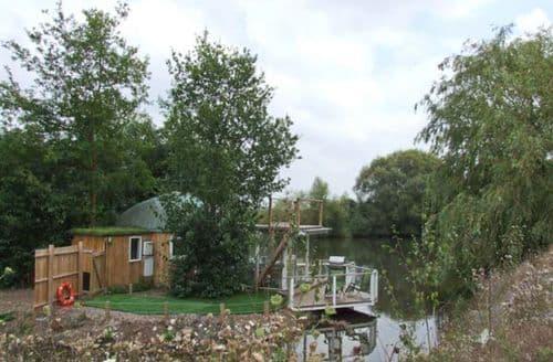 Last Minute Cottages - Island Yurt