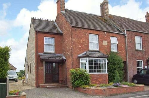 Last Minute Cottages - Excellent Coaley Cottage S6980