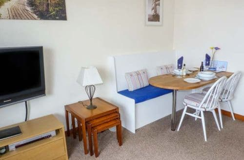 Last Minute Cottages - Troon Apartment