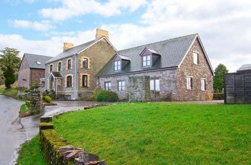 Last Minute Cottages - Tymawr Coach House
