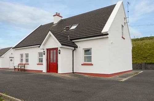 Last Minute Cottages - Inishturk View