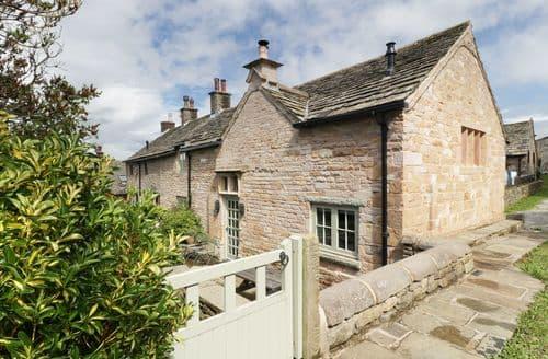 Last Minute Cottages - Disley Hall
