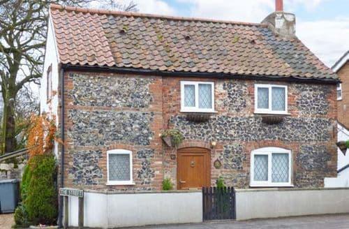 Last Minute Cottages - 1 Fakenham Road
