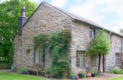 Last Minute Cottages - Lovely Llangadfan Cottage S9134