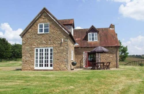 Last Minute Cottages - Hollywall Cottage