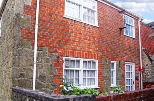 Last Minute Cottages - Sloe Cottage