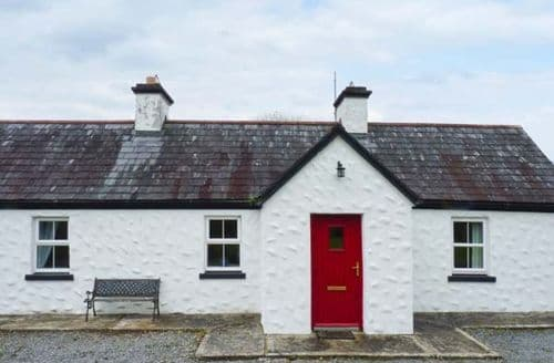 Last Minute Cottages - Tasteful  Cottage S6545