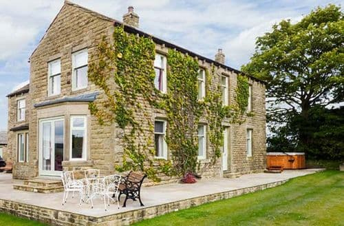 Big Cottages - Adorable Silsden Cottage S9023