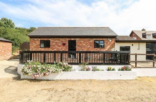 Last Minute Cottages - Superb Sandown Cottage S6756