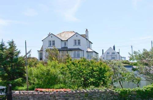 Big Cottages - Inviting Trearddur Apartment S6906