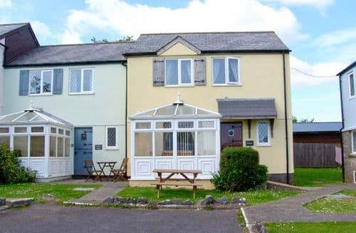 Dog Friendly Cottages - Luxury Tenby Cottage S6559