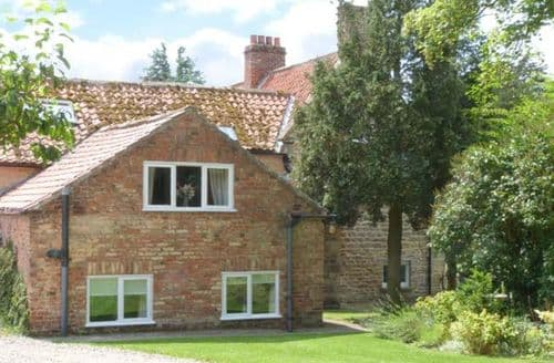 Last Minute Cottages - Gorgeous Ebberston Cottage S9025