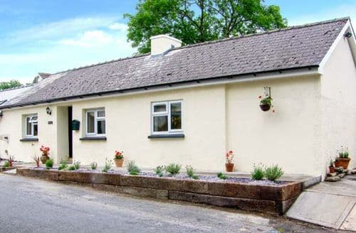 Last Minute Cottages - Banc Bach
