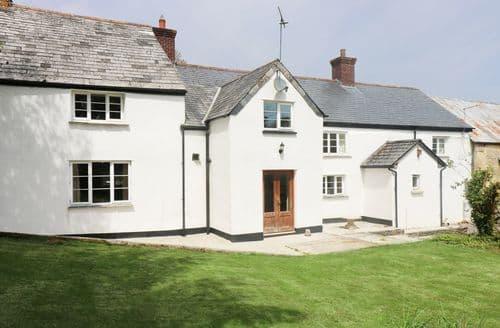 Last Minute Cottages - Eastcott Farmhouse