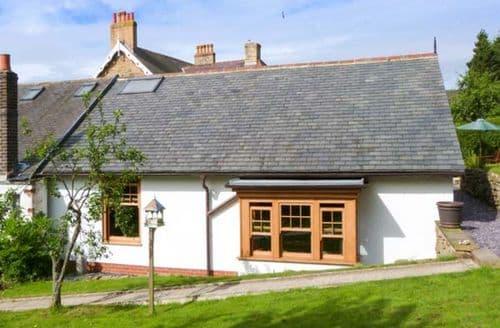 Last Minute Cottages - Captivating Castleton Cottage S9108