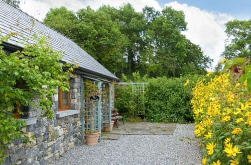 Last Minute Cottages - Larkside Cottage