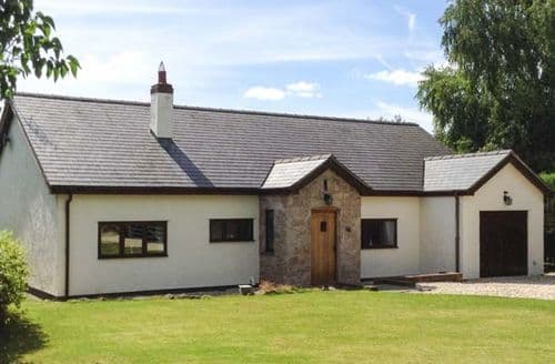 Last Minute Cottages - Lovely Denbigh Rental S12909