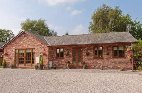Last Minute Cottages - Wild Duck Lodge