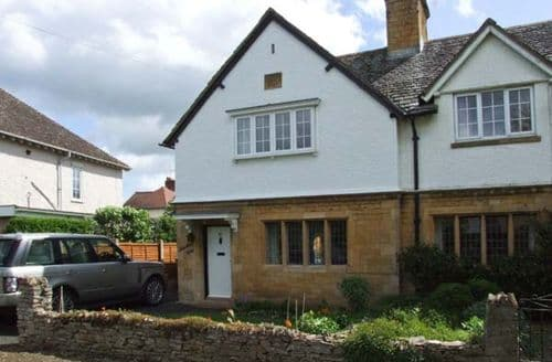 Last Minute Cottages - Bredon View