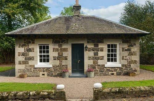 Last Minute Cottages - Lodge