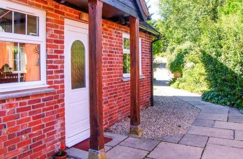 Last Minute Cottages - Grist Mill Cottage