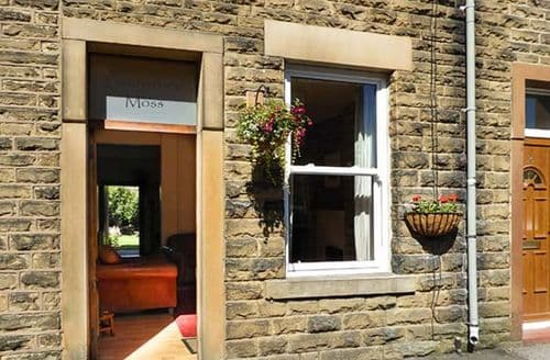 Last Minute Cottages - Featherbed Moss Cottage