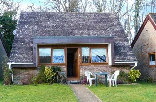 Last Minute Cottages - Inviting Hankham Lodge S25284
