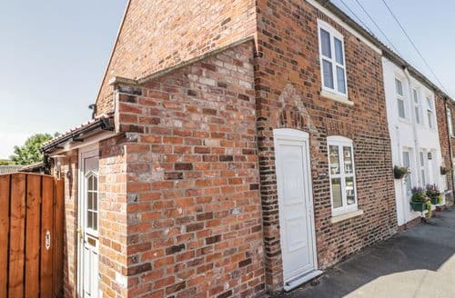 Last Minute Cottages - Lynton Cottage