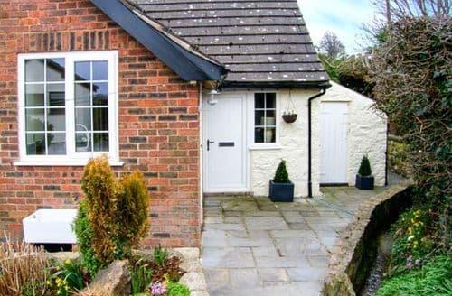 Last Minute Cottages - Castle View Cottage