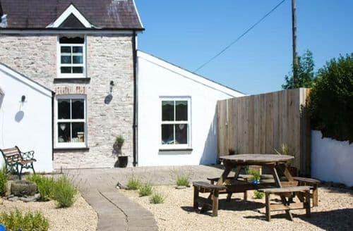 Last Minute Cottages - Superb Llanybri Cottage S39320