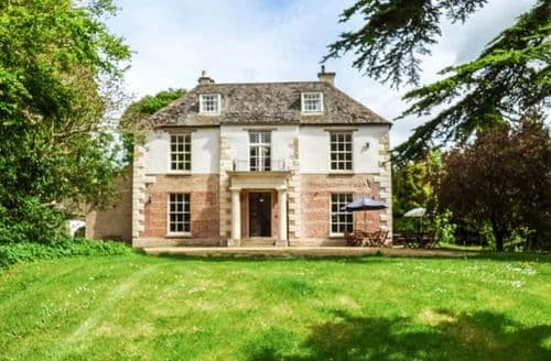 Big Cottages - The Cedar House
