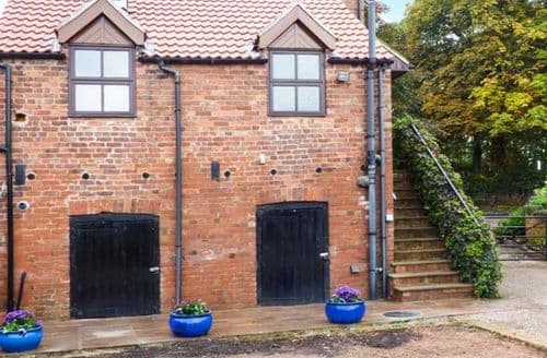 Last Minute Cottages - The Granary, Rye House