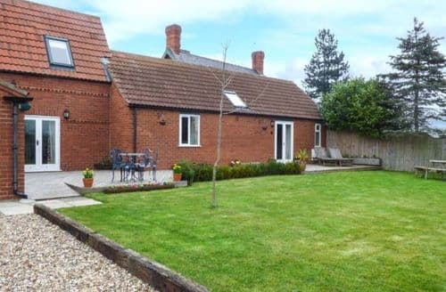 Last Minute Cottages - The Barn Ivy Cottage